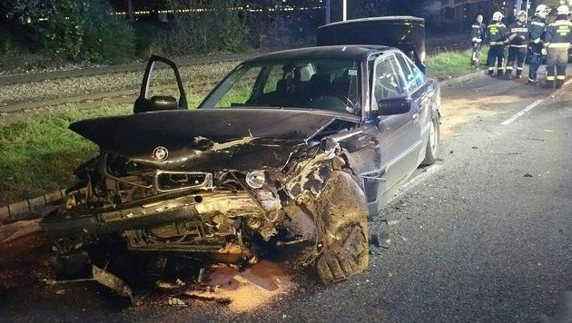 Eines der am Unfall in der Brigittenau beteiligten Autos (Bild: APA/BERUFSRETTUNG WIEN)