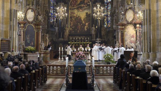 Abschied von Malerfürst Ernst Fuchs in Wien (Bild: APA/HANS PUNZ)