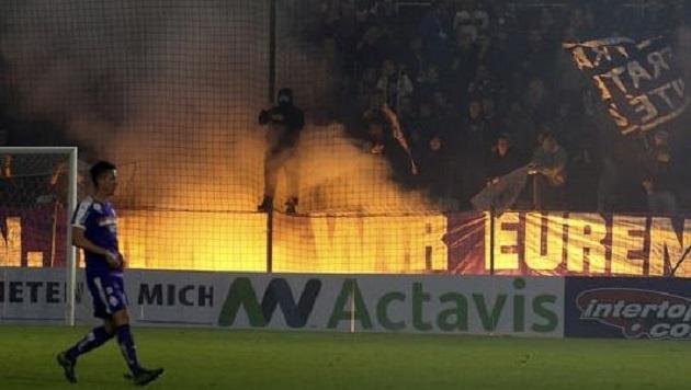 Bei Zweitliga-Aufsteiger Austria Salzburg - sportlich wie finanziell auf Talfahrt - brennt der Hut. (Bild: Andreas Tröster)
