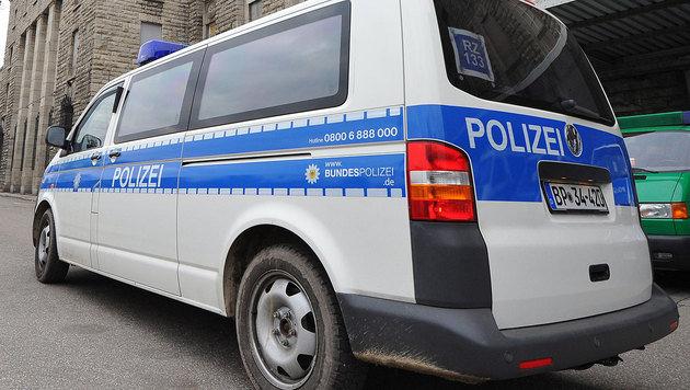 Stuttgart: Verdächtiger sprang aus 7. Stock - tot! (Bild: Jan-Philipp Strobel/EPA/picturedesk.com (Symbolbild))