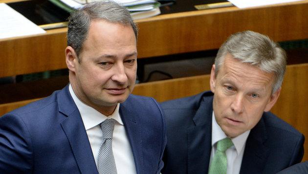 Andreas Schieder (SPÖ) und Reinhold Lopatka (ÖVP) (Bild: APA/ROLAND SCHLAGER)