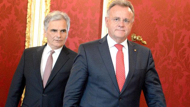 Niessl fordert Kurswechsel der SPÖ bei Asylfrage (Bild: APA/ROLAND SCHLAGER)