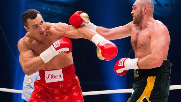 Klitschko vs. Fury wegen Knöchelblessur verschoben (Bild: APA/EPA/Rolf Vennenbernd)