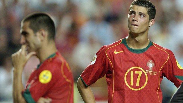 Portugal trauert nach der Final-Niederlage. (Bild: Bernd Weissbrod / EPA / picturedesk.com)