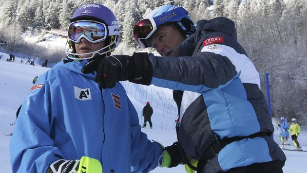 Michi Kirchgasser mit Trainer Jürgen Kriechbaum (Bild: GEPA)