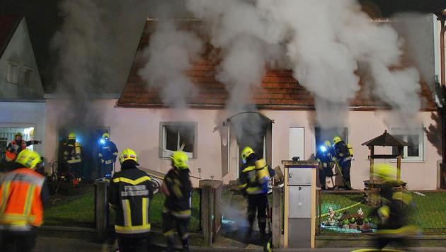 Die Flammen waren nach etwa 45 Minuten unter Kontrolle. (Bild: Herbert Wimmer/Pressestelle BFK Mödling)