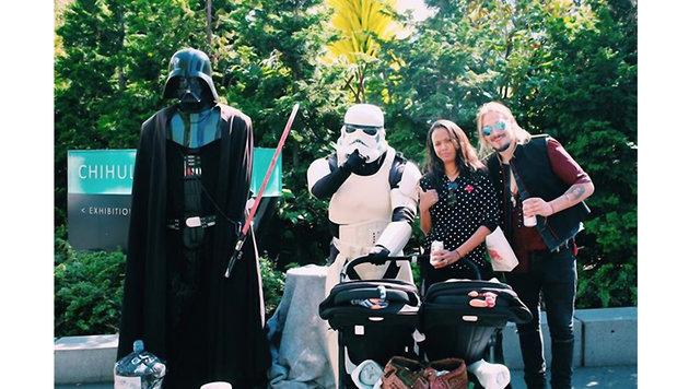 Zoe Saldana und ihre Familie sind begeistert von der dunklen Seite der Macht. (Bild: Viennareport)