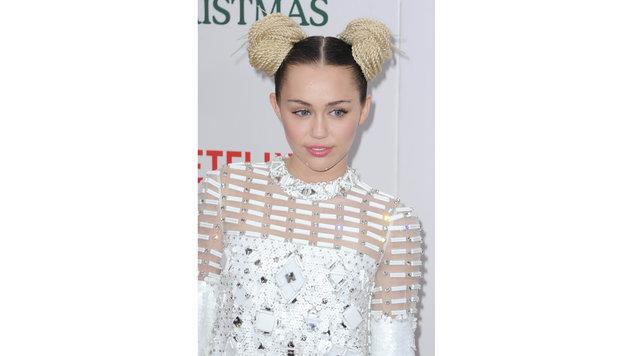 Miley Cyrus hat sich eine Prinzessin-Leia-Gedächtnisfrisur zugelegt. (Bild: AUG/face to face)