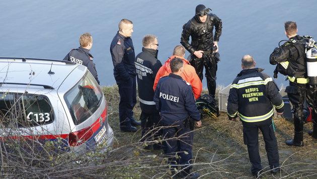 Wien: Männliche Leiche trieb im Donaukanal (Bild: Martin A. Jöchl)