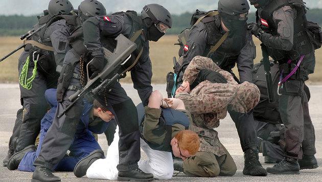 Bundesheer: Mit Anti-Terror-Paket aus Sinnkrise (Bild: BUNDESHEER/FILZWIESER)