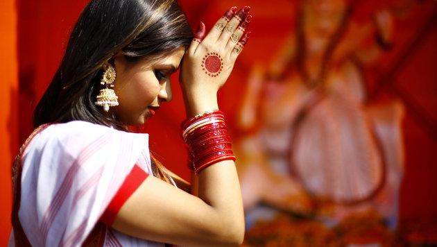 Hinduistisches Frühlingsfest in Dhaka (Bild: APA/EPA/ABIR ABDULLAH)