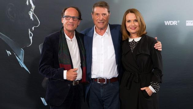 Udo Jürgens mit Bruder Manfred Bockelmann und Tochter Jenny Jürgens (Bild: APA/EPA/CHRISTIAN CHARISIUS)