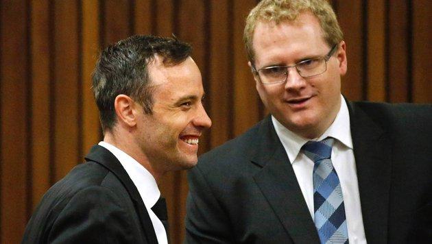 Oscar Pistorius wird gegen Kaution freigelassen (Bild: APA/AFP/POOL/SIPHIWE SIBEKO)