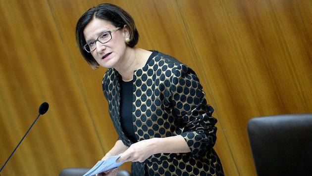 """Strache wirft Regierung """"völliges Scheitern"""" vor (Bild: APA/ROLAND SCHLAGER)"""