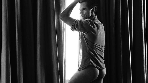 """John Stamos zeigt im """"Paper""""-Magazin seine knackige Kehrseite. (Bild: instagram.com/papermagazine)"""
