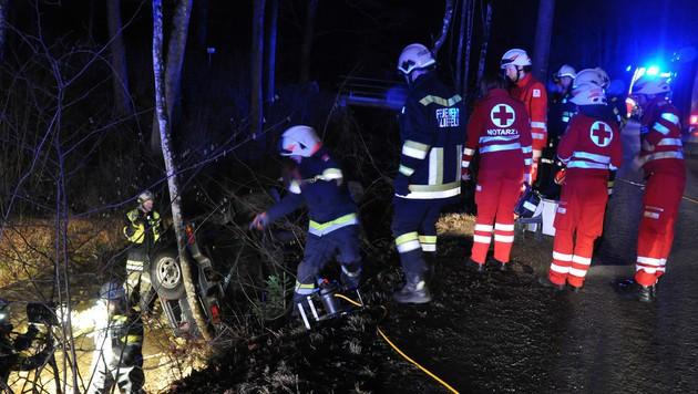 Mit Auto ins Bachbett gestürzt: Lenker (73) tot (Bild: AFKDO Lilienfeld/ Manfred Kozmich)