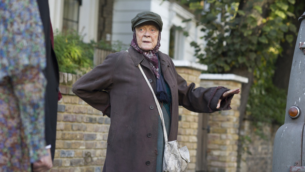 "Maggie Smith in ""The Lady in the Van"" (Bild: AP)"