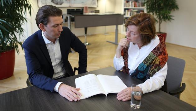 """Sebastian Kurz mit """"Krone""""-Interviewerin Conny Bischofberger (Bild: Gerhard Bartel)"""