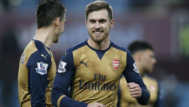 Arsenal mit 2:0-Sieg vorerst an der Tabellenspitze (Bild: APA/AFP/ADRIAN DENNIS)