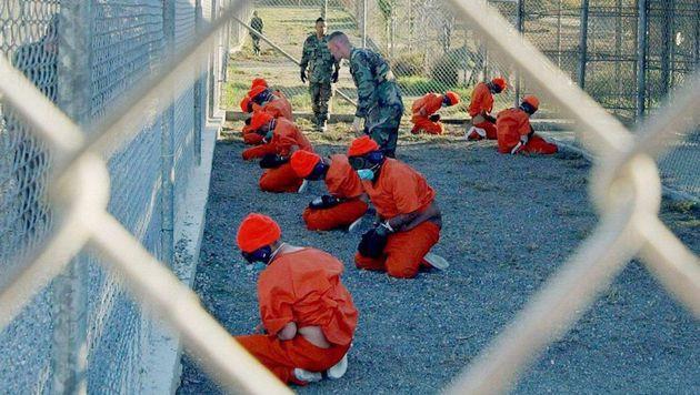 Ein Drittel der Insassen soll Guantanamo verlassen (Bild: Petty Officer 1st class Shane T./EPA/picturedesk.com)