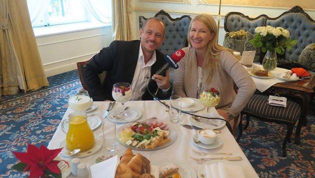 Seit 28 Jahren kennen sich Claudia Stöckl und Gery Keszler. (Bild: facebook.com/claudia.stockl.33)