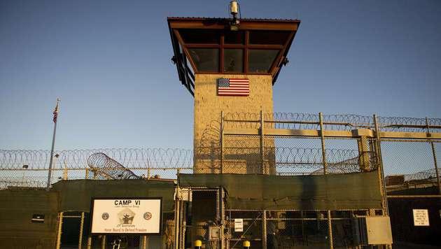 Italien übernimmt Guantanamo-Gefangenen (Bild: APA/AFP/JIM WATSON)