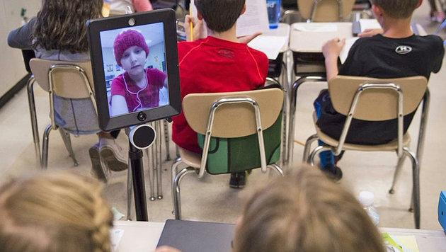 Roboter vertritt krebskrankes Kind in der Schule (Bild: twitter.com/Charles Webster MD)