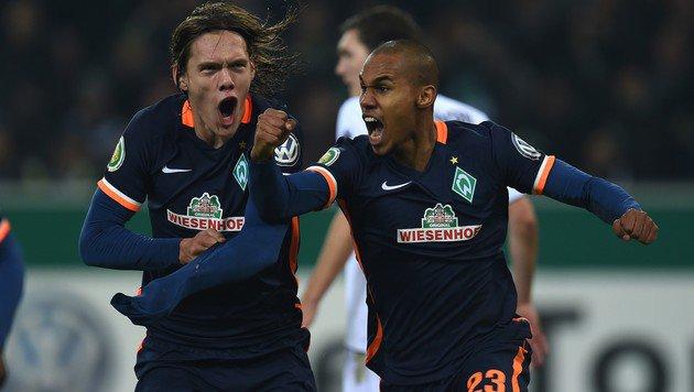 So bejubeln die Bremer den Sieg bei Borussia Mönchengladbach! (Bild: AFP or licensors)