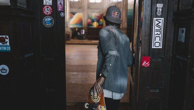 """Kirche als Skater-Park: Darf man das? (Bild: Red Bull Media House)"""