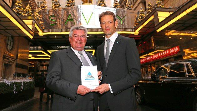 Alex und Papa Franz Wurz: Königlicher Ritterschlag (Bild: Gerhard Gradwohl)