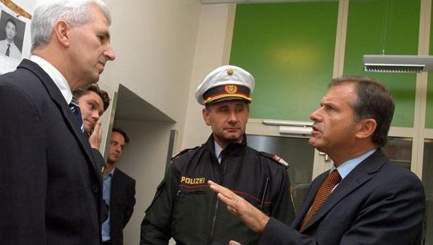 Ex-Innenminister Ernst Strasser (rechts) (Bild: Wolfgang Weber)