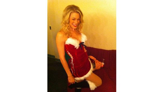 """LeAnn Rimes verführt ebenfalls als sexy """"Mrs. Santa"""". (Bild: Viennareport)"""