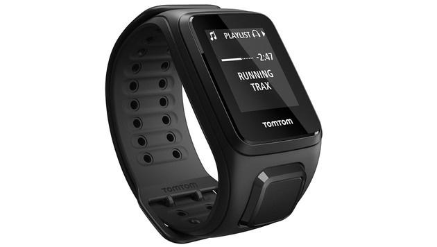 """TomTom Spark: GPS-Sportuhr im """"Verbrennungstest"""" (Bild: TomTom)"""
