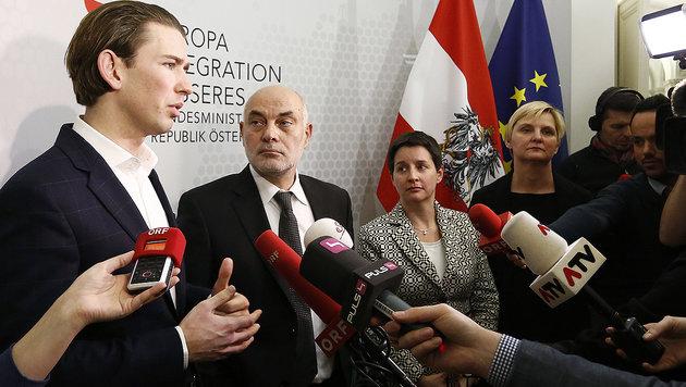 Ednan Aslan (Mitte) mit Integrationsminister Kurz (li.) (Bild: APA/AUSSENMINISTERIUM/DRAGAN TATIC)