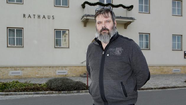 """Michael Schalling, Gemeindeamtsleiter: """"Wir dachten, die Frau wurde nur zufällig bei uns abgelegt."""" (Bild: Reinhard Holl)"""
