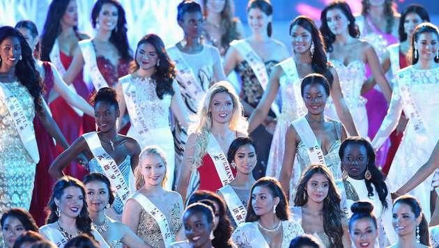 """Missen soweit das Auge sieht beim """"Miss World""""-Finale am Samstag auf Hainan. (Bild: AFP)"""