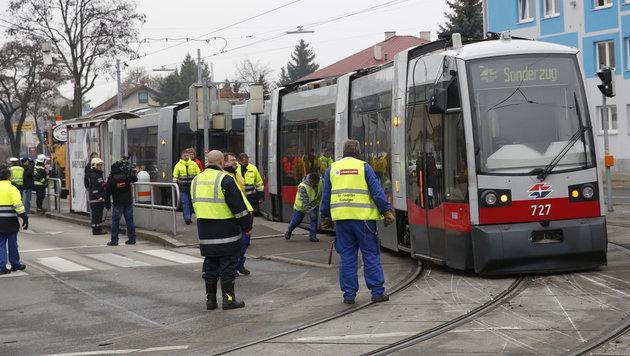 Straßenbahn in Wien aus Schienen gesprungen (Bild: Martin A. Jöchl)
