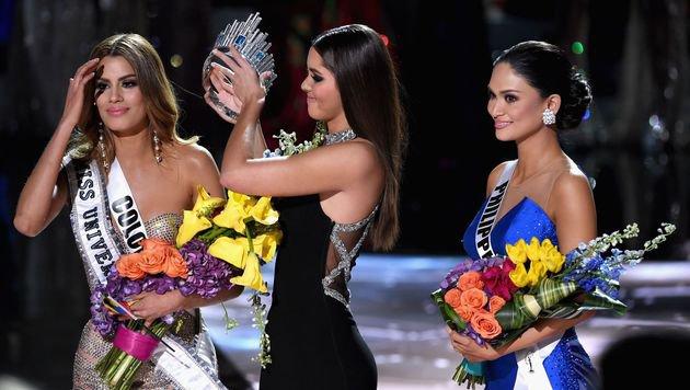"""""""Miss Kolumbien"""" wird die Krone wieder abgenommen. (Bild: AFP/Getty Images/Ethan Miller)"""