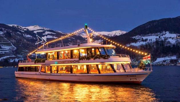 Auch eine stimmige Schifffahrt mit Glühwein und Weihnachtskeksen wird angeboten.