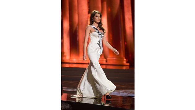 """Amina Dagi bei der """"Miss Universe""""-Wahl am Laufsteg (Bild: Miss Universe Organization)"""