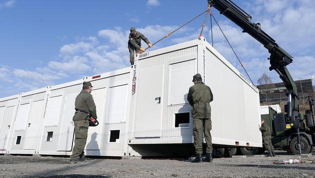 Diese acht Kasernen werden zu Asylquartieren (Bild: APA/ERWIN SCHERIAU (Symbolbild))