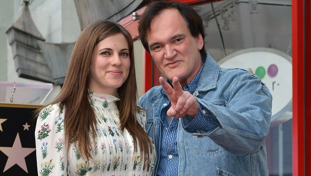 Quentin Tarantino mit Freundin Courtney Hoffman (Bild: AFP/Angela Weiss)