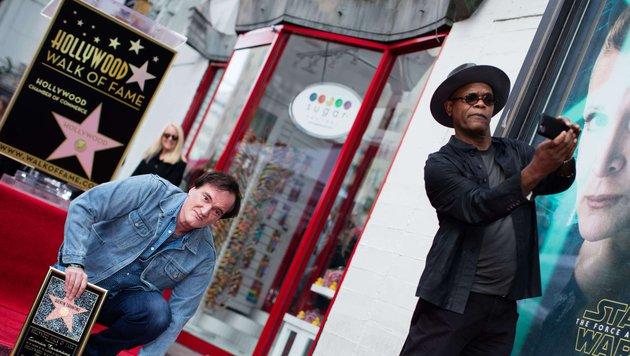 """Tarantino stimmte mit Fans prompt ein """"Happy Birthday""""-Ständchen an. (Bild: AFP)"""