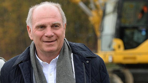 Uli Hoeneß: In zwei Monaten ein freier Mann? (Bild: APA/AFP/CHRISTOF STACHE)