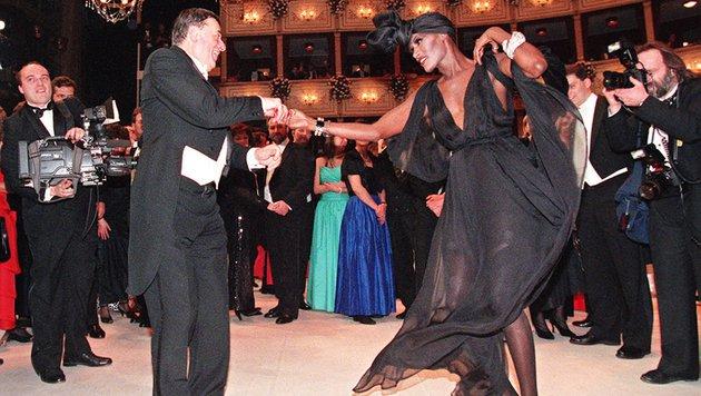 1996 wirbelte Grace Jones durchs Opernhaus. (Bild: APA)