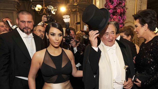 """Opernball 2014: Richard Lugner beschert Kim Kardashian einen """"Albtraum"""". (Bild: APA/HERBERT PFARRHOFER)"""