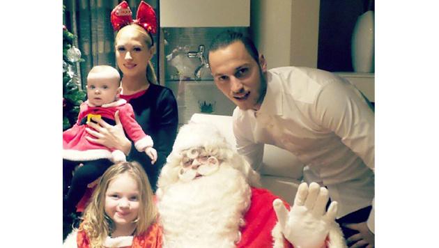 Marko Arnautovic mit seiner Family im Weihnachts-Outfit! (Bild: Facebook.com)