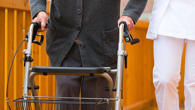 93-Jährige in Pflegeheim von Greis erschlagen? (Bild: thinkstockphotos.de)