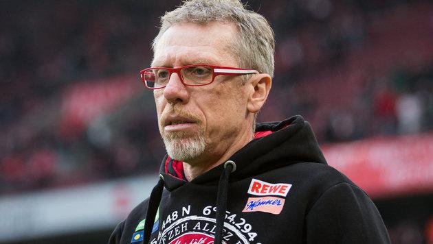 Peter Stöger hat kein Mitleid mit Schiedsrichtern (Bild: APA/dpa/Rolf Vennenbernd)