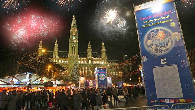 Österreicher blicken mit Sorge ins neue Jahr (Bild: Peter Tomschi)